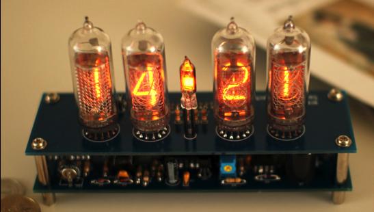 ニキシー管時計、ガイガーカウンターの自作キットの画像