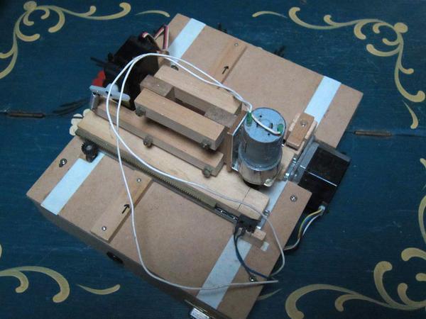 自動演奏楽器用穿孔機の画像