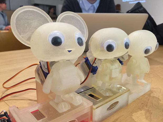 TVリアクションロボット「ベゼリー」の画像