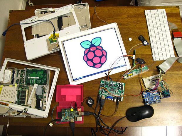 自作のノートパソコンの画像