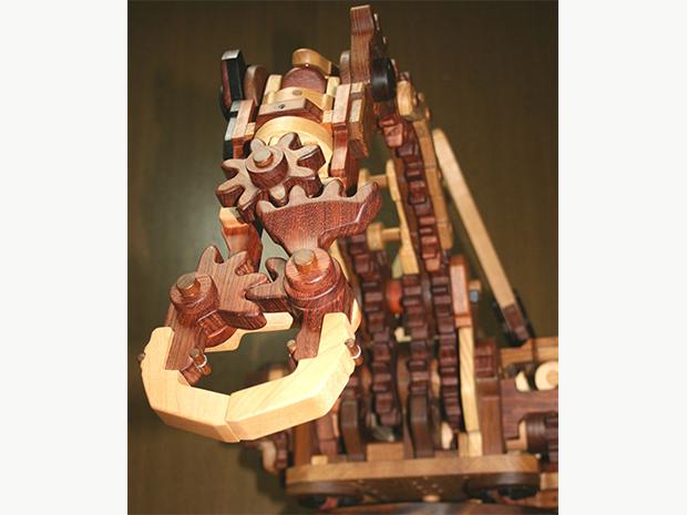 木のロボットアーム、木のクレーン車、木のショベルカー、ほかの画像