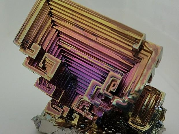 ビスマスはカッコイイ金属の画像