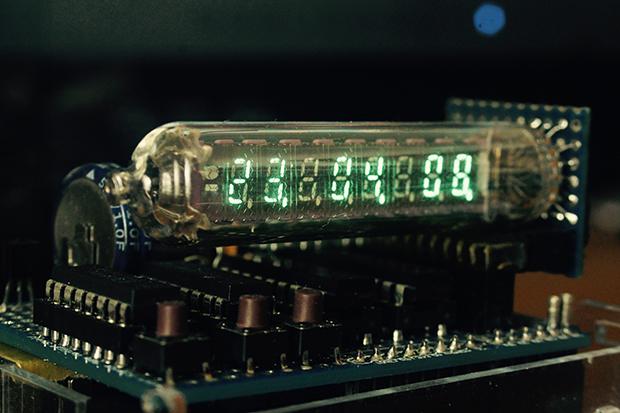 Arduinoで制御する蛍光表示管(VFD)時計の画像