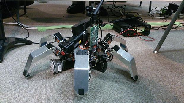 スターリング・ハイブリッドシステム、 自作多脚マシンの画像