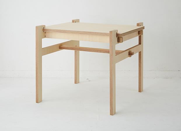 釘も金具も接着剤も使わない合板1枚から作るテーブルの画像