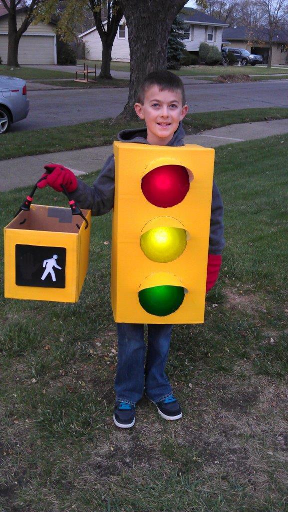 vending machine costume 3 Kid Dresses Up as a Vending Machine and Other Inanimate Objects Every Year for Halloween