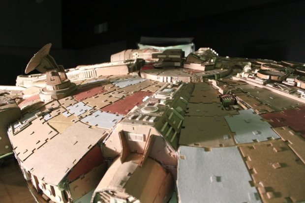 43deqed imgur Star Wars Fan Creates Insanely Detailed Cardboard Millennium Falcon