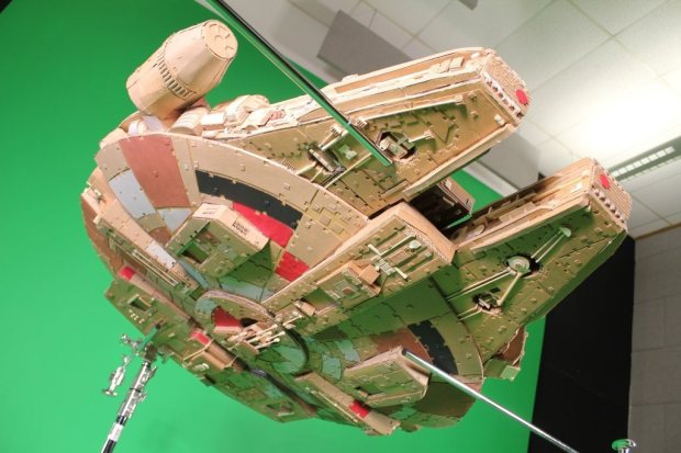 ubaaiu8 imgur Star Wars Fan Creates Insanely Detailed Cardboard Millennium Falcon