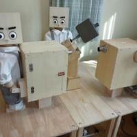 3体の人型ロボットが協力してホットサンドを焼く「ホットサンドロボット」―山田社長[MFT2014出展者紹介mini]