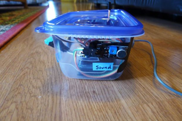 Ahh... the adhoc project enclosure... It may look crude but this sound sensor is very effective and can be placed anywhere