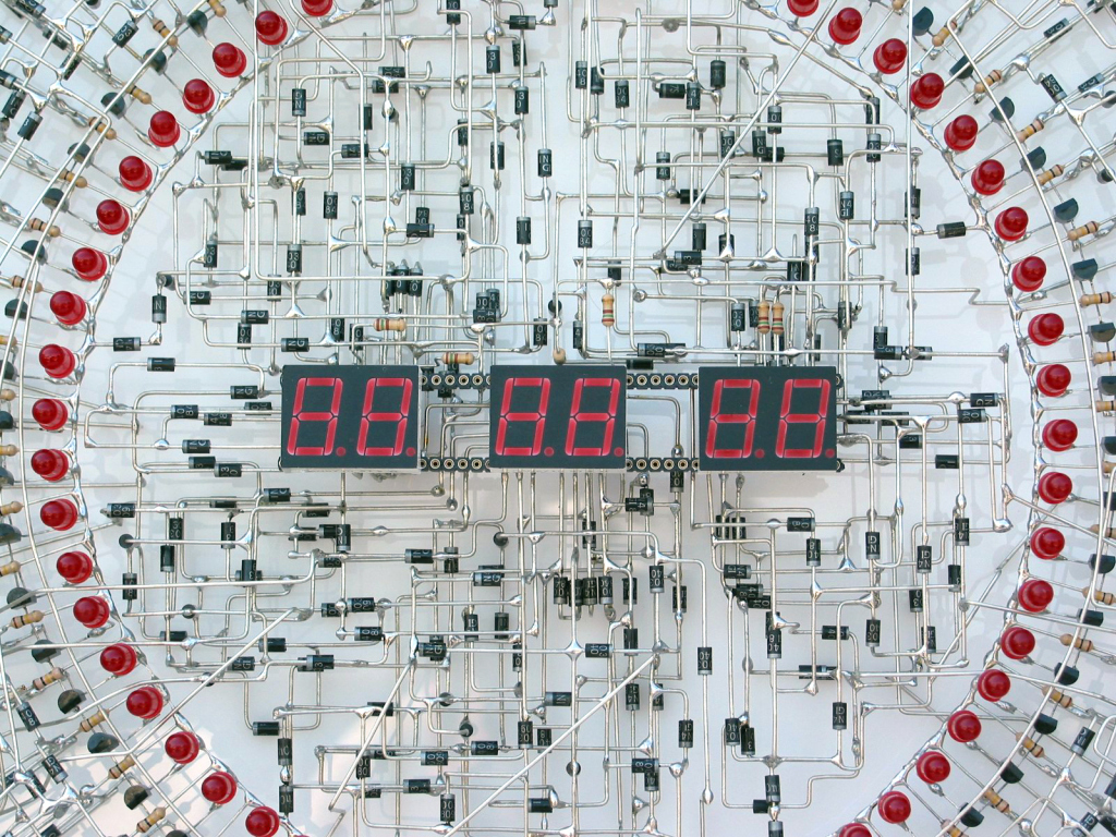 clock2 Masterpiece Of Soldering: You Wont Believe This Handmade Electronic Clock