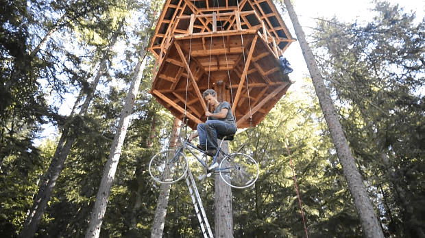 bicycle-powered-treehouse-elevator2