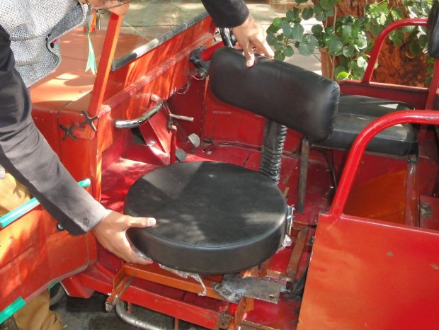 mfba-Movable-Seat-for-Physically-Disabled-in-Cars-Khush-Patel