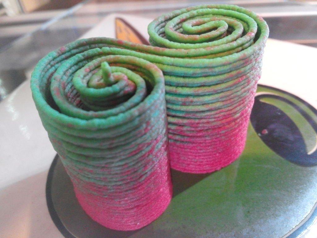 Rainbow-hummus