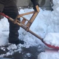 雪かきスコップ用フォアグリップ