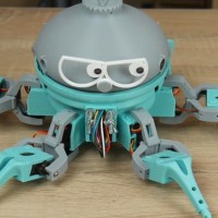 this-3d-printed-arduino-based-hexapod-robot-is-hysterical