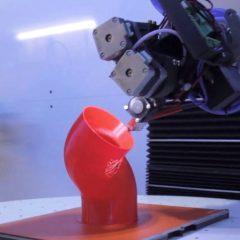 XYZ座標の制約から解放されて新たな可能性をもたらす5軸3Dプリンター